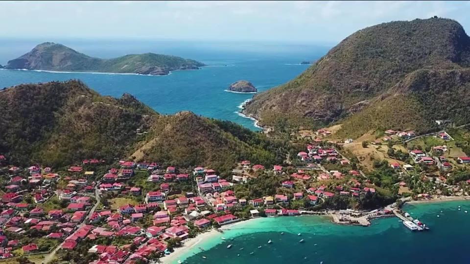 MARTINIQUE CAPITALE | 22 | « Passez la journée sur l'île Paradisiaque des Saintes »
